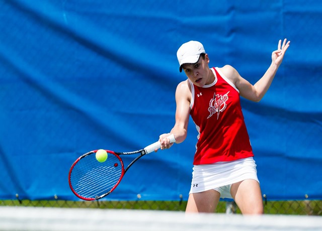 Women S Tennis Advances To Nec Semifinals With 4 2 Win Over Sacred